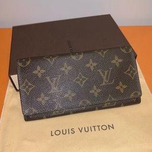 100% Authentic Louis Vuitton Wallet w/Card Holder